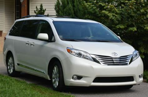 how to fix cars 2012 toyota sienna navigation system purchase used 2012 toyota sienna limited mini van limited back up camera navigation dvd in