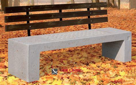 Panchina In Cemento panchina in calcestruzzo per arredo urbano schienale in