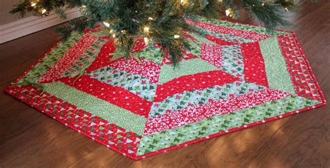 holly jolly christmas tree skirt pattern by a bright