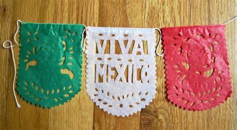 como hacer cadenas de papel picado como hacer papel picado fiestas mexicanas ingeniando