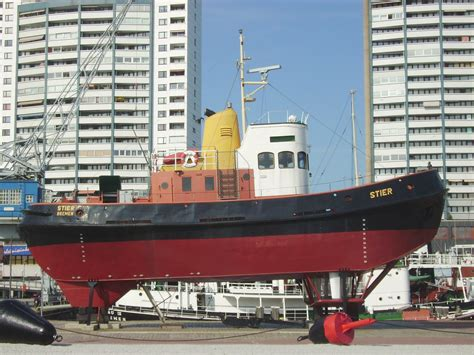 tugboat dimensions file tugboat stier jpg wikimedia commons