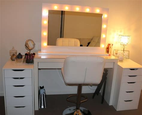 Lighted Makeup Vanity Sets by Vanity Table Set With Lights Makeup Also Bedroom Sets