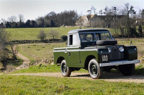 λάσπη πέτρες και γκλαμουριά 70 χρόνια land rover