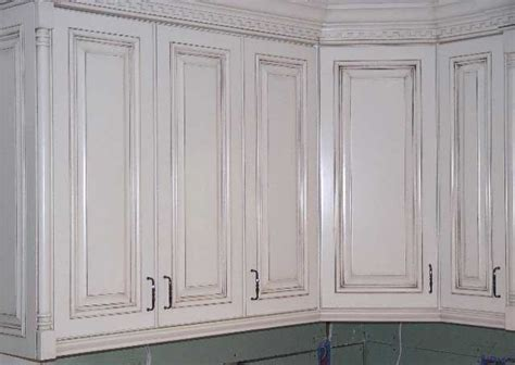 paint and glaze kitchen cabinets a quot rub through quot glaze paint finish