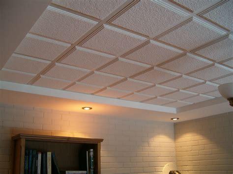 sous plafond isolation plafond de sous sol faux plafond oeufenpoudre