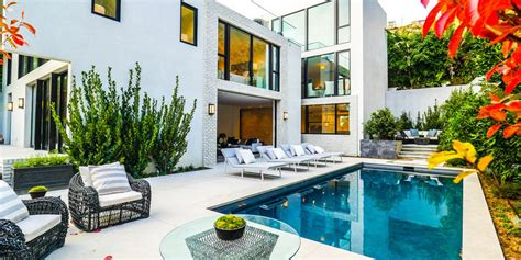 kendall jenner house kendall jenner buys emily blunt s house
