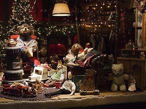 still life, shop window, christmas decorations | david