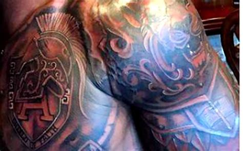 look adrian peterson shows off new armor of god tattoo