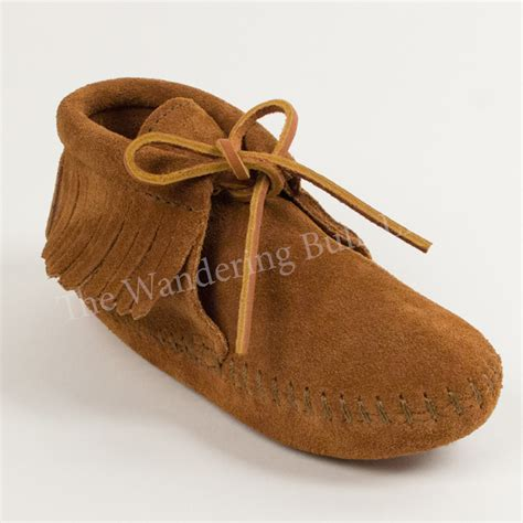 infant moccasins minnetonka infant s classic fringed moccasin the wandering bull