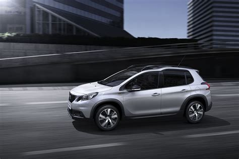 car peugeot 2008 2017 peugeot 2008 facelift unveiled photos 1 of 6