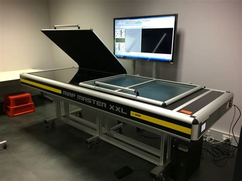 large bed scanner 2014 08 sr nsw sma xxl double a 0 extra large format scanner with a 55 inch monitor 1
