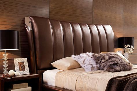 Caesar Size Bed by Caesar Italian Leather Platform King Bed Las Vegas