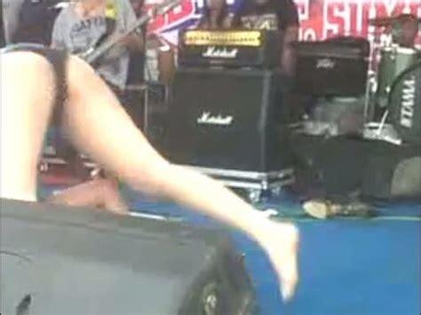 Celana Dalam dangdut celana dalam salto kelihatan anu show