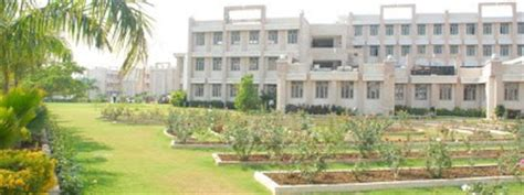 Mba Colleges In Gujrat by Indian College Student Cus