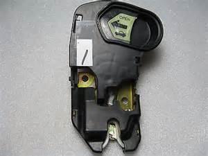 used trunk lid latch 1 w emergency release 2001 2002