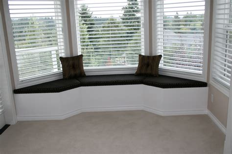 bay window ottoman bay window bench seat plans home design ideas