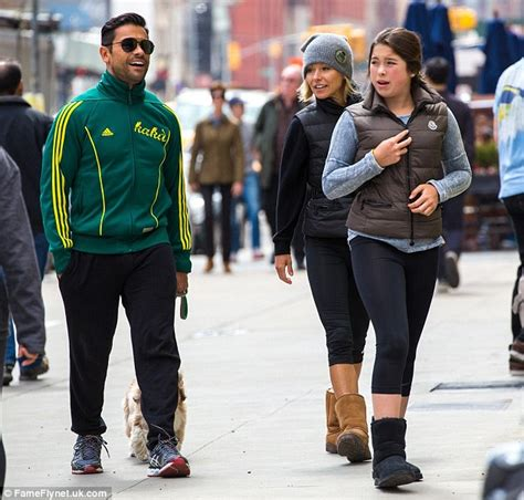 kelly ripa children 2014 kelly ripa and daughter lola don matching puffa jackets