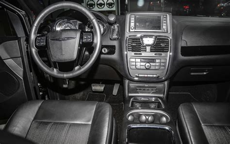 Chrysler Town And Country Interior by The All New 2013 Chrysler Town And Country Minivan