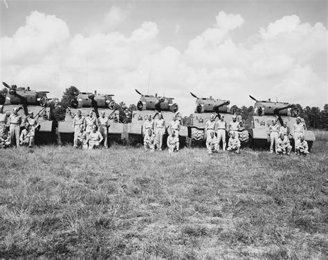 infantry section and platoon in battle 17 the wwii medium tank battalion the heart of an