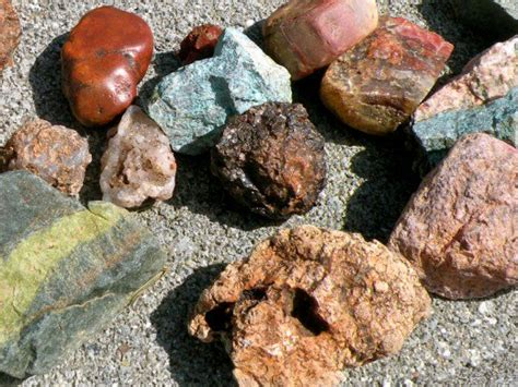how to find geodes in your backyard rockhounding secrets of a rock collector hobbylark