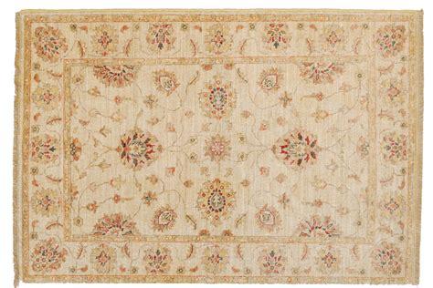 tappeti classici tappeto della collezione agra molto pi 249 dei tappeti