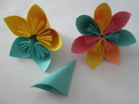 Paper Flower Steps - tutorial origami flowers learn 2 origami origami