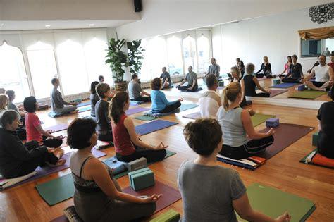 yoga meditation tutorial yoga meditation class marydale s param yoga healing