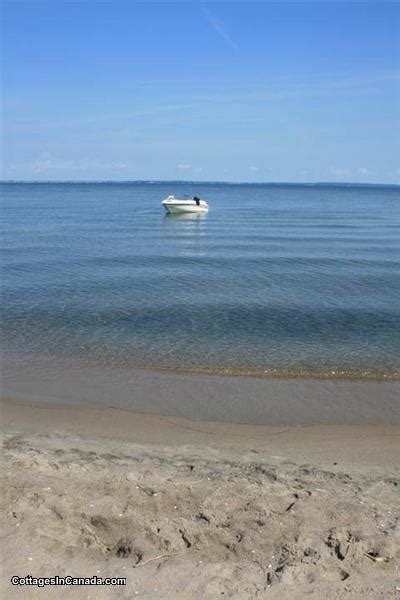 sleeps  blue river beach house wasaga beach cottage