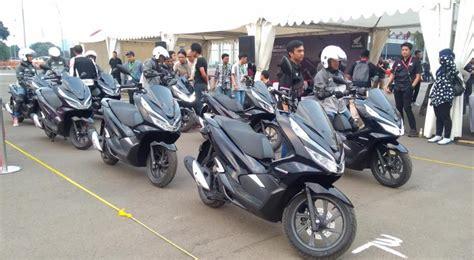 Harga Pcx Hybrid sah meluncur ini harga all new honda pcx hybrid di indonesia