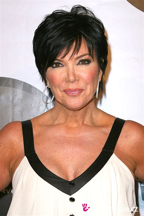 hair cut short like kris kardashian jenner and the technical kris jenner hairstyle easyhairstyler