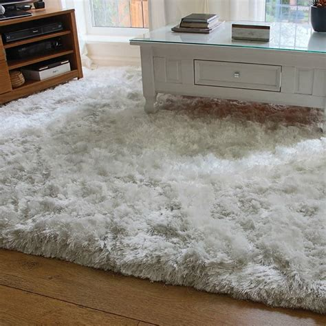 fluffy rug how to decorate around a shaggy rug