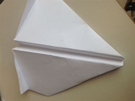 How To Make A Paper Airplane That Loops - how to make a loop de loop paper airplane 10 steps