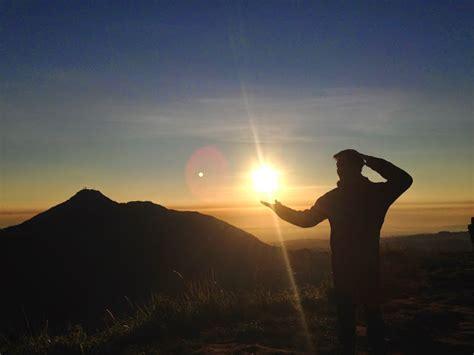 Lu Tidur Salib 9 tips tetap kuat ketika mendaki gunung jalan pendaki