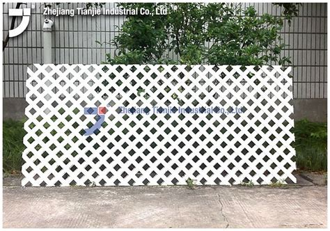 White Trellis Panels Pvc Lattice Plastic Lattice Vinyl Lattice With Wooden Box