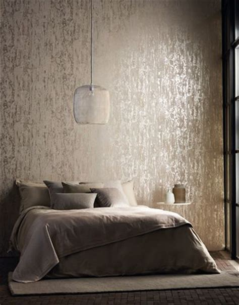 Metallic Bedroom Wallpaper by Best 25 Metallic Wallpaper Ideas On Gold