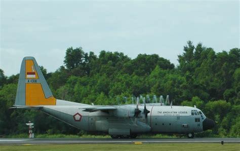 cara naik pesawat hercules yuk mengenal cara baca registrasi pesawat tni au yang