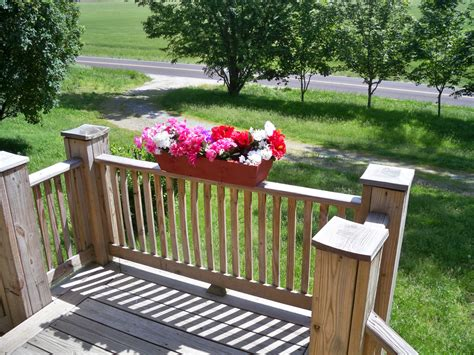 Planter Boxes For Balcony Railings by Deck Planter Box Newsonair Org