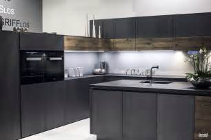 Led Lights For Kitchen Under Cabinet Lights - decorating with led strip lights kitchens with energy efficient radiance