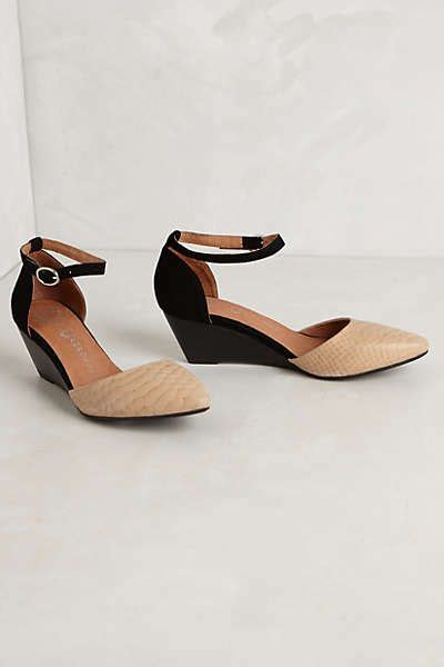 i need comfortable shoes 25 best ideas about comfortable wedges on pinterest low