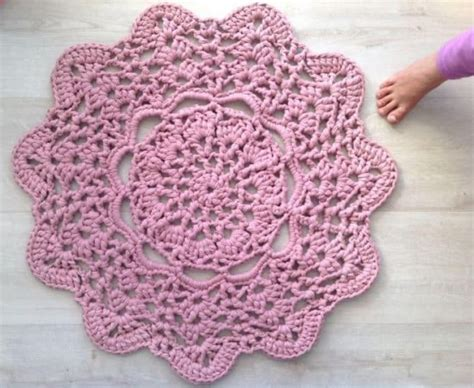 free crochet rug patterns crochet doily rugs lots of free patterns the whoot