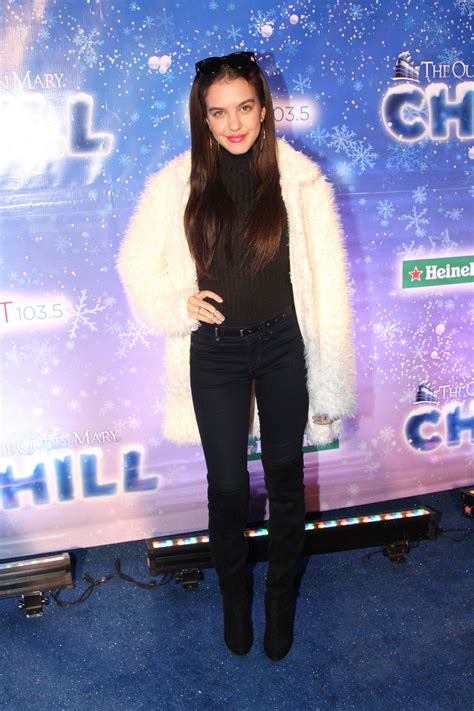 emma stone queen mary lilimar hernandez at the queen mary s chill tree lighting