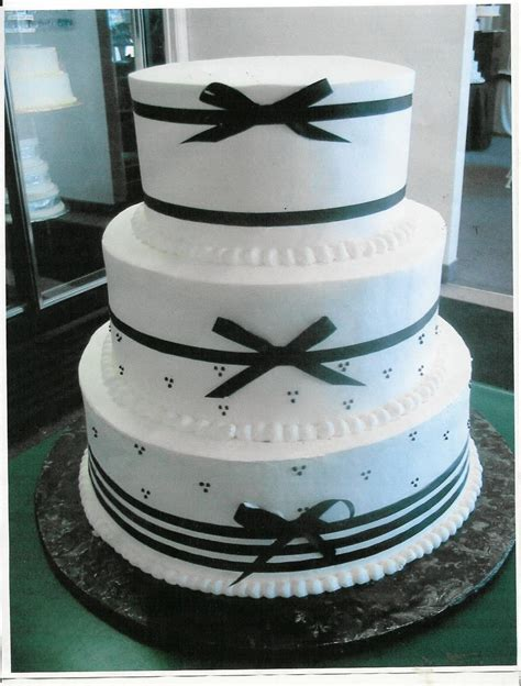 Beautifull Wedding Cakes With Ribbon Decorate