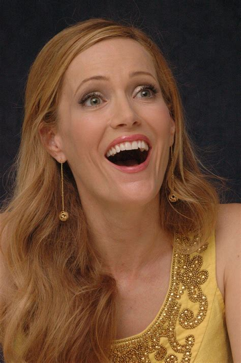 leslie mann laugh leslie mann wallpapers wallpaper cave
