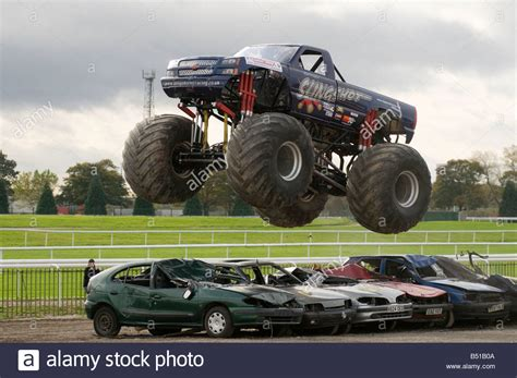 videos of monster trucks crushing 100 monster trucks race download monster truck race