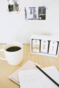 Diy Modern Desk Diy Desk Calendar Home Made By Carmona