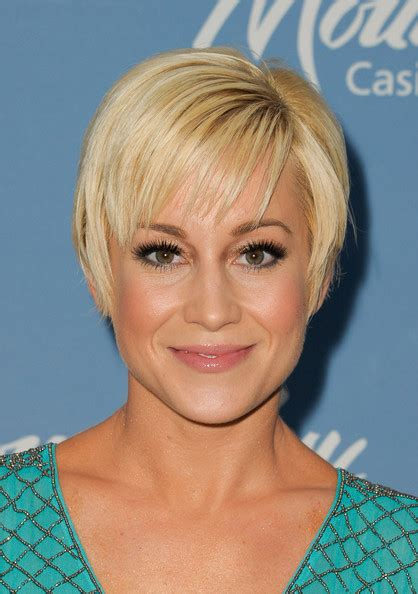 Kellie Pickler Pixie Hairstyle Photos by How To Style Kellie Pickler Pixie Hairstyle 2013