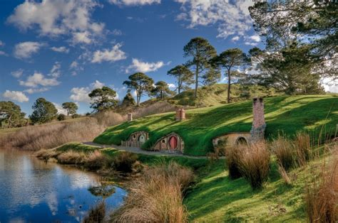 hobbit houses new zealand travel adventures matamata hobbiton quot the shire quot a