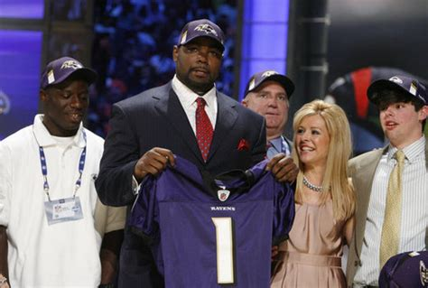 Blind Side Football Player Baltimore Ravens Real Life Blind Side Hero Michael Oher S Fairy Tale