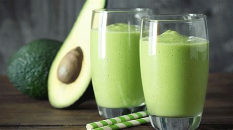 The Green Machine Detox Drink by The 28 Day Shrink Your Stomach Challenge Avocado Smoothie