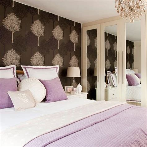 lavender bedroom walls morris rugs chrysanthemum china blue feature wall